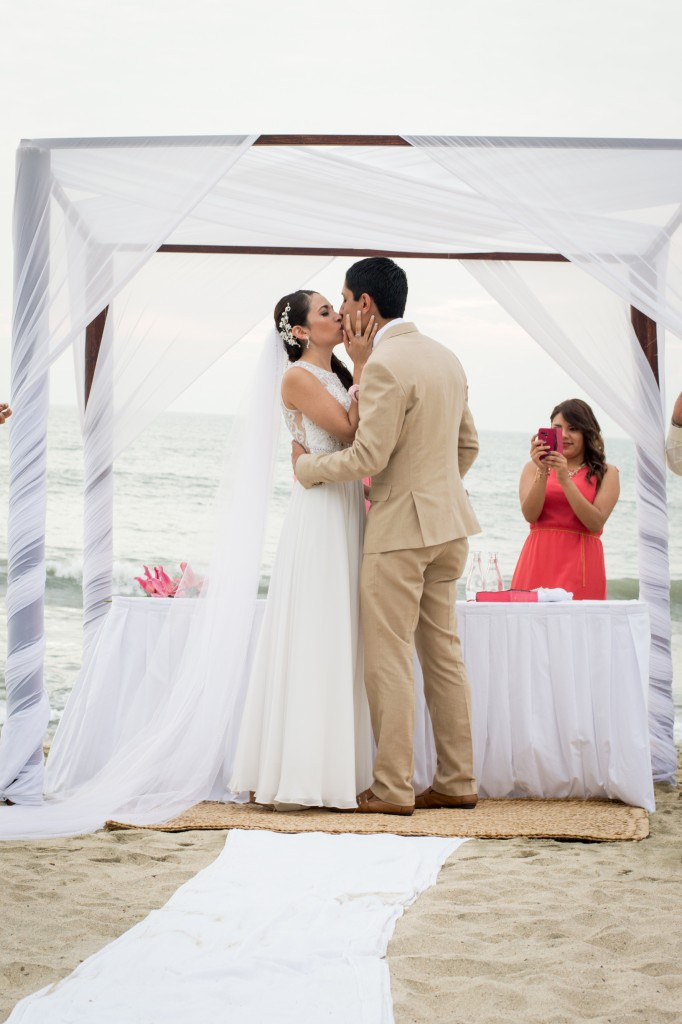 Puerto Vallarta Wedding Photogapher Moments PV-2
